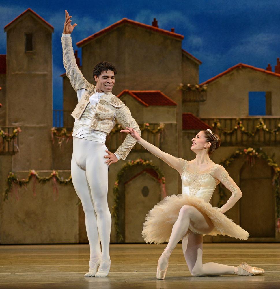 Marianela Nunez and Carlos Acosta in <I>Don Quixote</I>.<br />© Dave Morgan, courtesy the Royal Opera House. (Click image for larger version)
