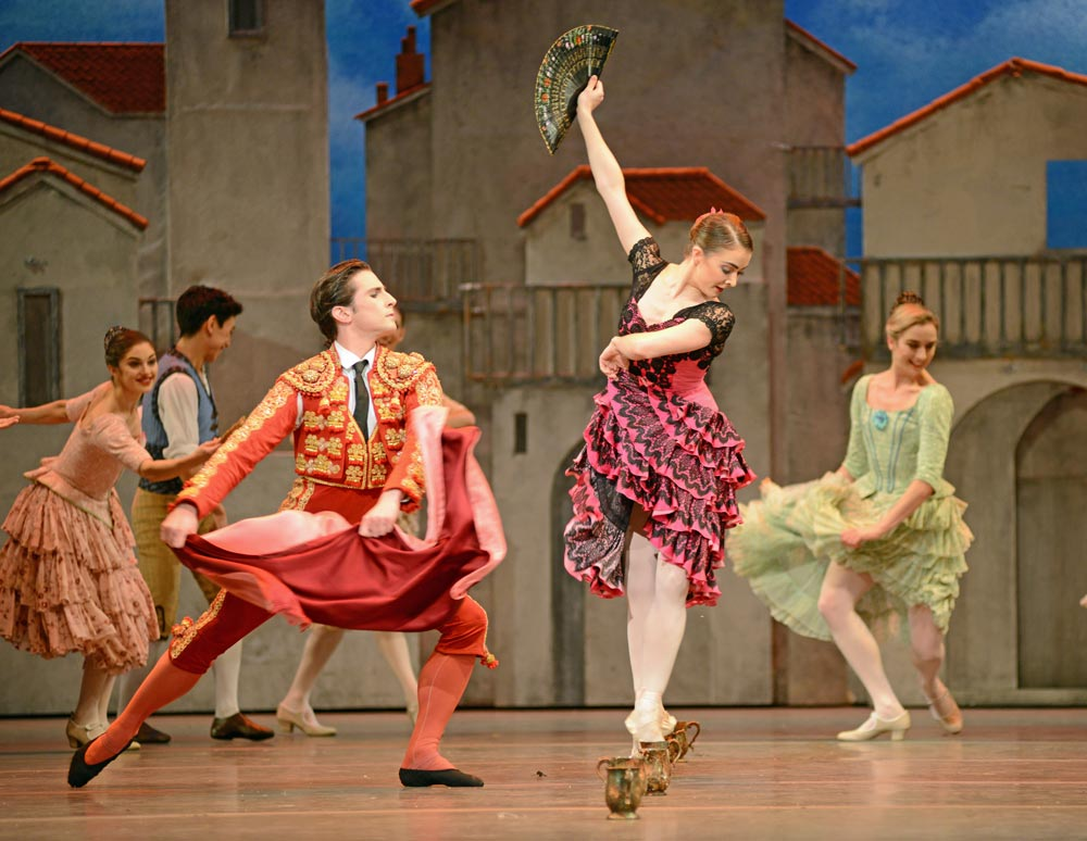 Claire Calvert and Tristan Dyer in <I>Don Quixote</I>.<br />© Dave Morgan, courtesy the Royal Opera House. (Click image for larger version)