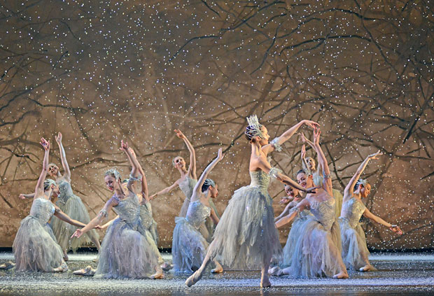Birmingham Royal Ballet Snowflakes in <I>The Nutcracker</I>.<br />© Dave Morgan. (Click image for larger version)