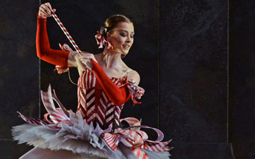 Jade Heusen - Dance of the Mirlitons in The Nutcracker.© Dave Morgan. (Click image for larger version)