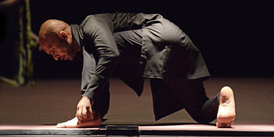 Akram Khan in <I>Torobaka</I>.<br />© Dave Morgan. (Click image for larger version)