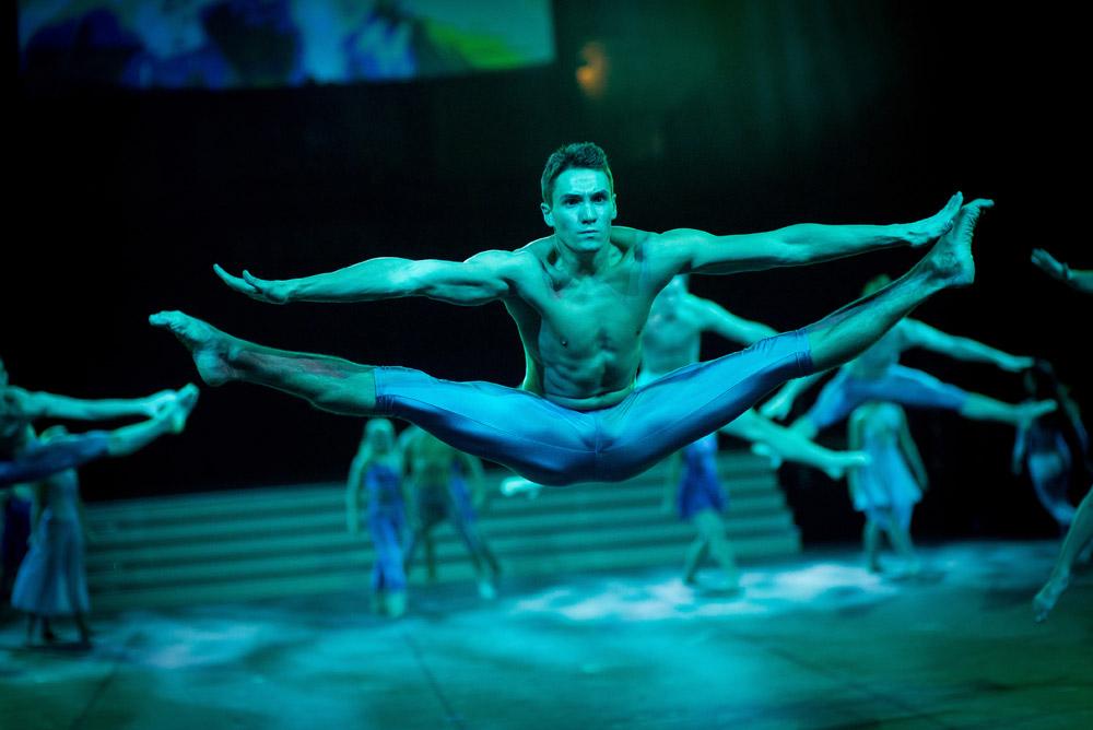 "The Centre Performing Arts College at Dance Proms 2104.<br />© David Tett at <a href=""http://www.davidtett.com/"">www.davidtett.com</a>. (Click image for larger version)"