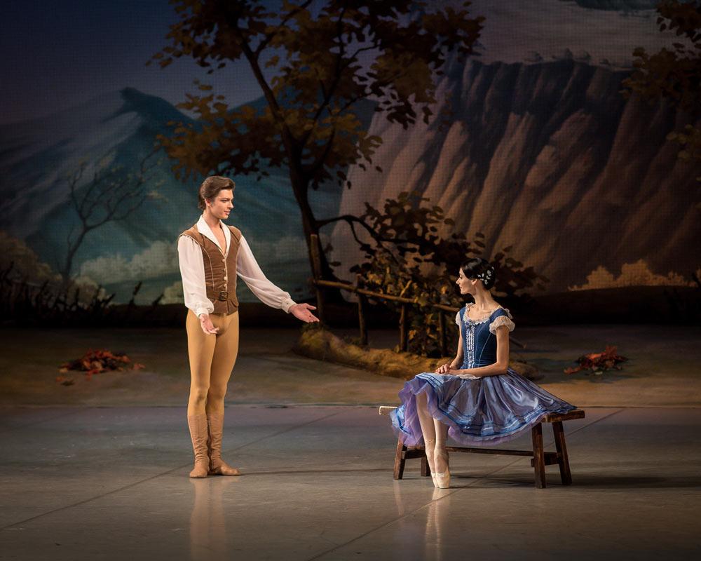 Anastasia Soboleva and Victor Lebedev in <I>Giselle</I>.<br />© Jack Devant. (Click image for larger version)
