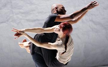 Sylvie Guillem and Akram Khan in Sacred Monsters.© Tristram Kenton. (Click image for larger version)