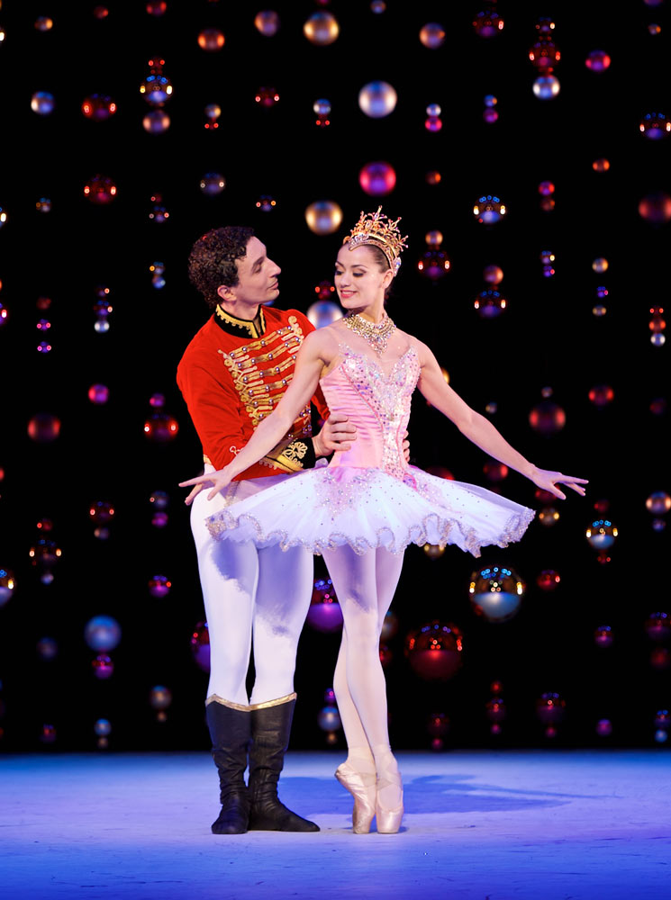 Erik Cavallari as the Prince with Sophie Martin as the Sugar Plum Fairy in Peter Darrell's <I>The Nutcracker</I>.<br />© Andy Ross. (Click image for larger version)
