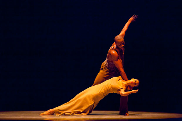 Jermaine Terry and Alicia Graf Mack in <I>Revelations</I>.<br />© Gert Krautbauer. (Click image for larger version)
