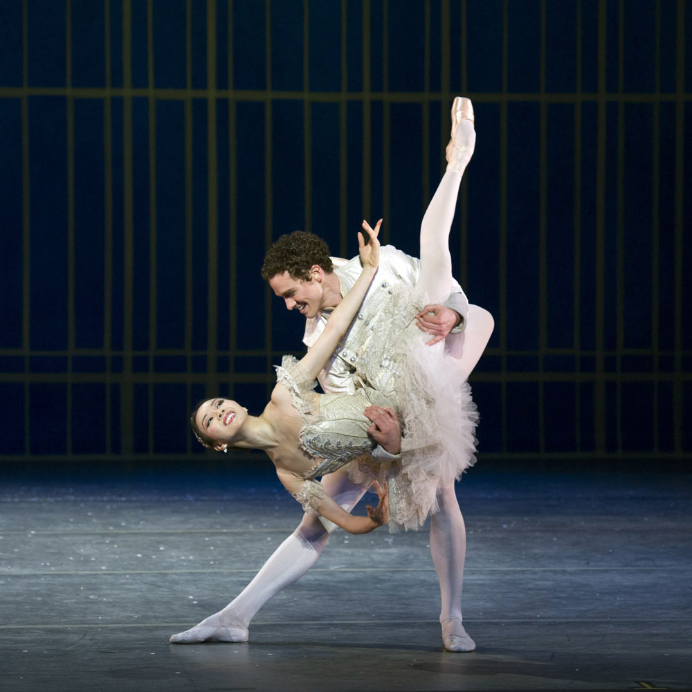 Hee Seo and Cory Stearns in <I>The Nutcracker</I>.<br />© Gene Schiavone. (Click image for larger version)