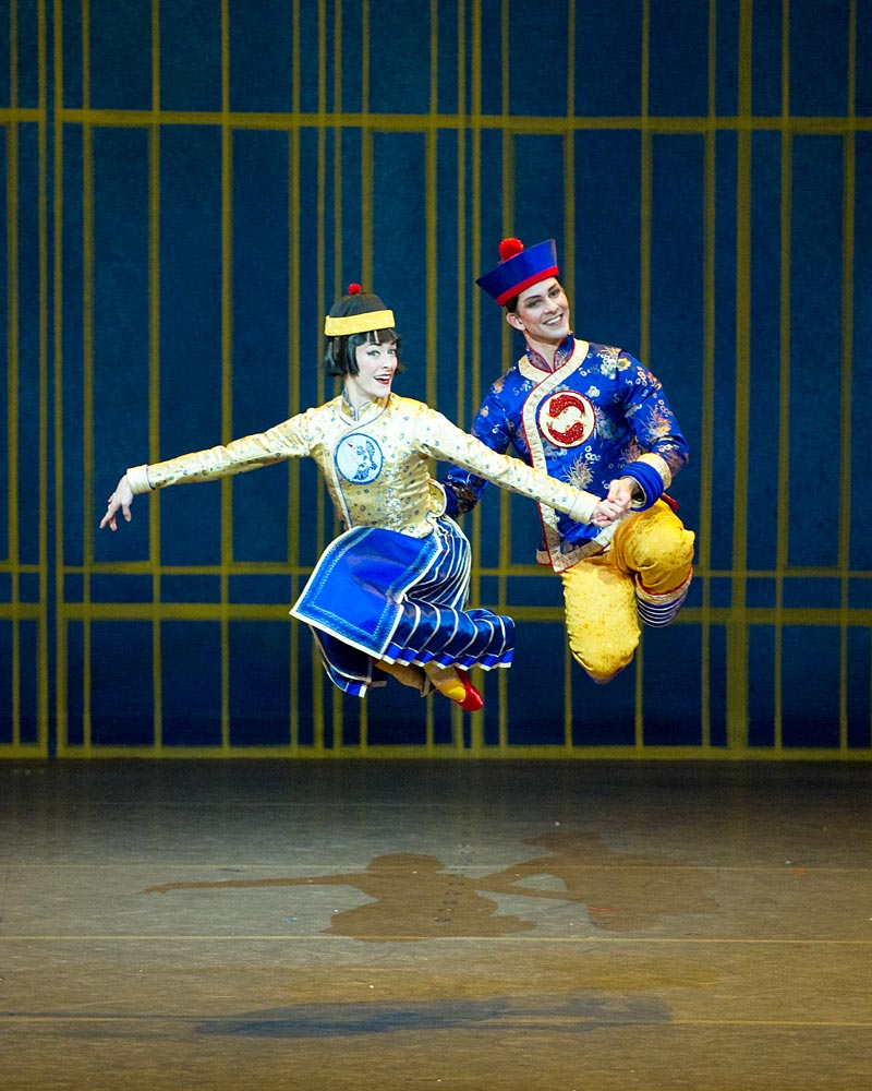 Marian Butler and Joseph Gorak (Chinesse) in <i>The Nutcracker</i>.<br />© Gene Schiavone. (Click image for larger version)
