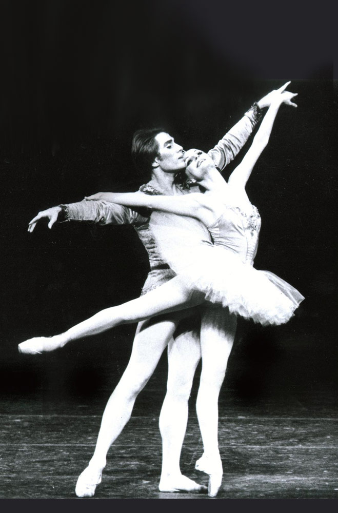Patricia McBride and Jean-Pierre Bonnefoux in George Balanchine's <I>Theme and Variations</I>.<br />© Martha Swope, courtesy Charlotte Ballet. (Click image for larger version)