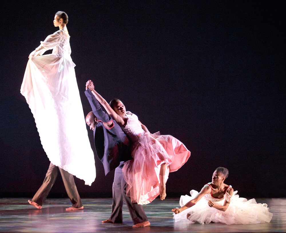 Alvin Ailey American Dance Theater in Jacqulyn Buglisi's <I>Suspended Women</I>.<br />© Paul Kolnik. (Click image for larger version)