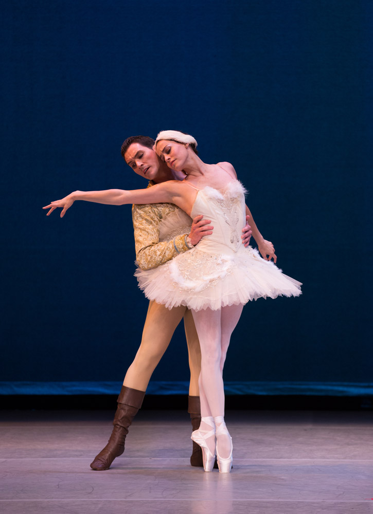 Natalia Magnicballi and Michael Cook in Balanchine's Swan Lake.© Rosalie O'Connor. (Click image for larger version)