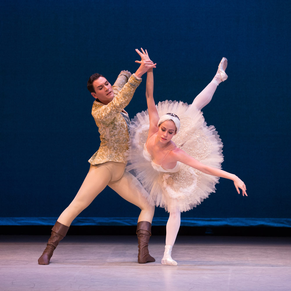 Natalia Magnicballi and Michael Cook in Balanchine's <I>Swan Lake</I>.<br />© Rosalie O'Connor. (Click image for larger version)