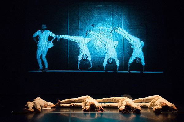 Phoenix Dance Theatre in Darshan Singh Bhuller's <I>Mapping</I>.<br />© Tony Nandi. (Click image for larger version)