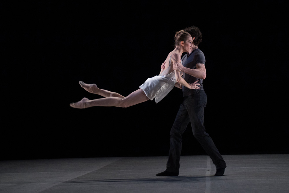 Wendy Whelan and Alejandro Cerrudoin in Cerrudo's <I>Ego et Tu</I>.<br />© Christopher Duggan. (Click image for larger version)