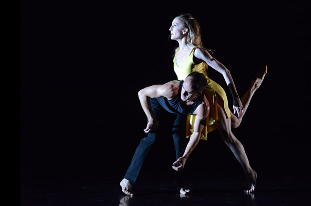 Wendy Whelan and Brian Brooks in <I>First Fall</I> by Brian Brooks.<br /> © Dave Morgan, courtesy the Royal Opera House. (Click image for larger version)