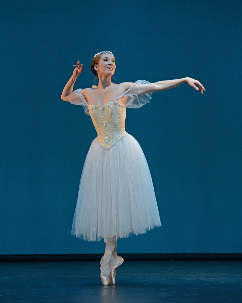 Gudrun Bojesen in La Sylphide.© Dave Morgan. (Click image for larger version)