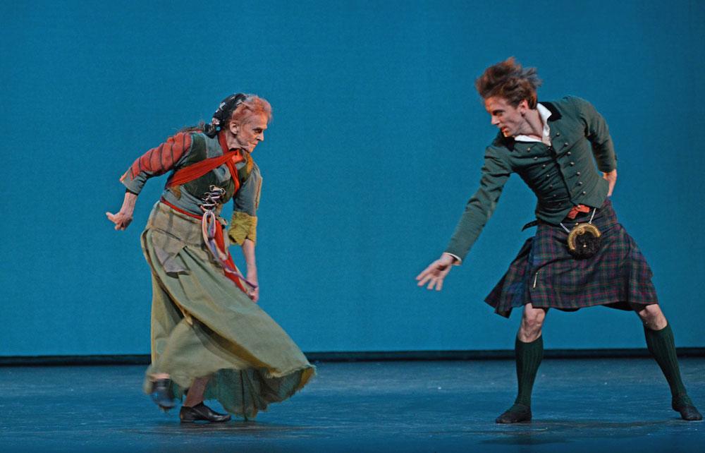 Sorella Englund and Ulrik Birkkjaer in <I>La Sylphide</I>.<br />© Dave Morgan. (Click image for larger version)
