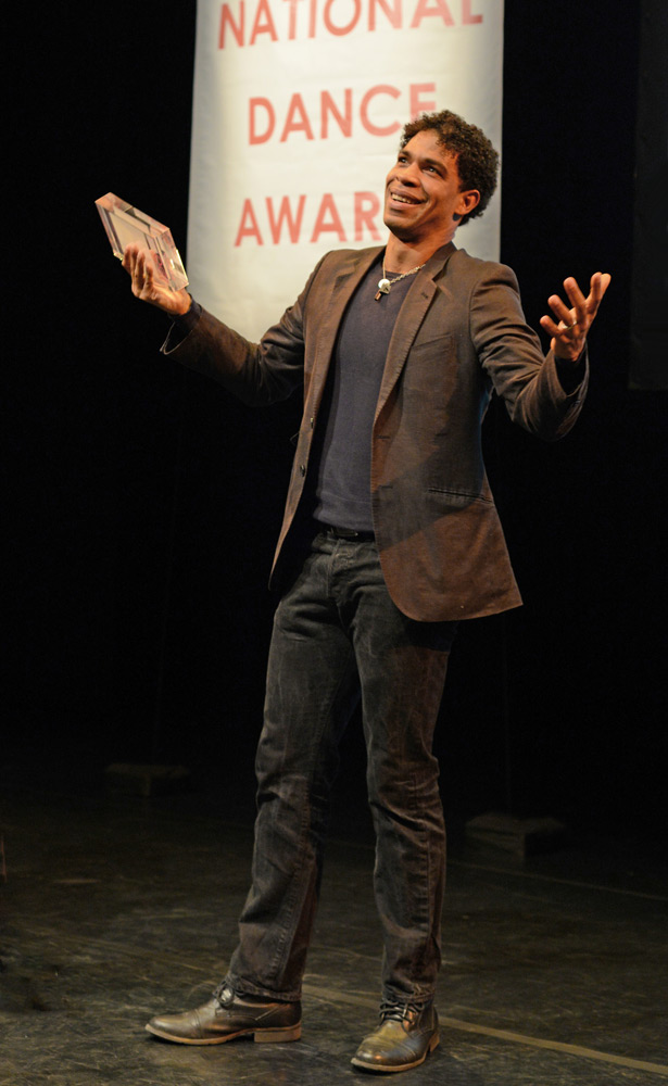 Carlos Acosta accepting his De Valois Award For Outstanding Achievement in Dance.<br />© Dave Morgan. (Click image for larger version)
