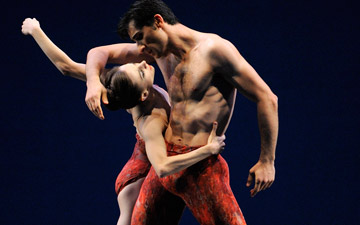 Maria Kochetkova and Davit Karapetyan in Possokhov's Bells.© Erik Tomasson. (Click image for larger version)