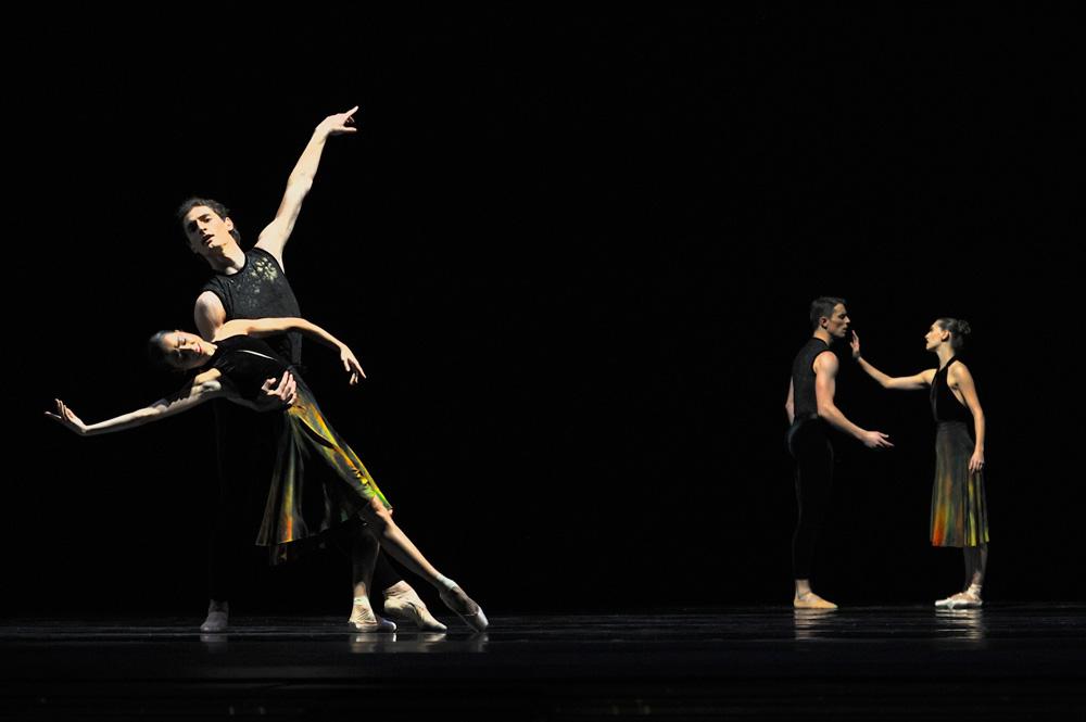 San Francisco Ballet in Ratmansky's <I>Souvenir d'un Lieu Cher</I>.<br />© Erik Tomasson. (Click image for larger version)