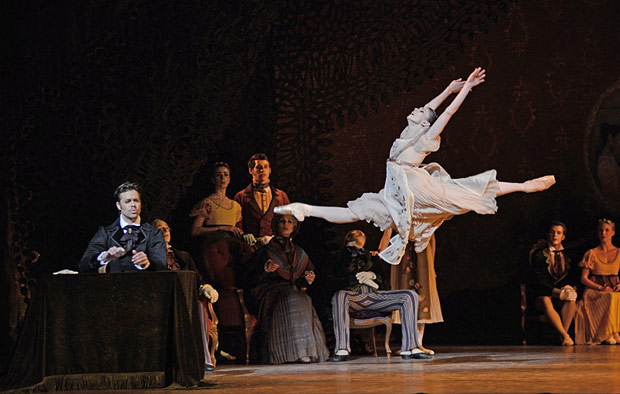 Matthew Golding and Natalia Osipova in <I>Onegin</I>.<br />© Dave Morgan, courtesy the Royal Opera House. (Click image for larger version)