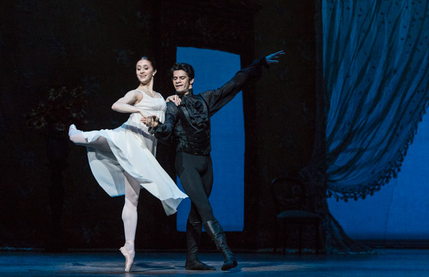 Thiago Soares and Marianela Nunez in <I>Onegin</I>.<br />© Foteini Christofilopoulou, courtesy the Royal Opera House. (Click image for larger version)