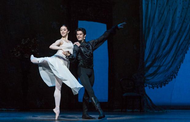 Thiago Soares and Marianela Nunez in <I>Onegin</I>.<br />© Foteini Christofilopoulou, courtesy the Royal Opera House. (Click image for larger version)