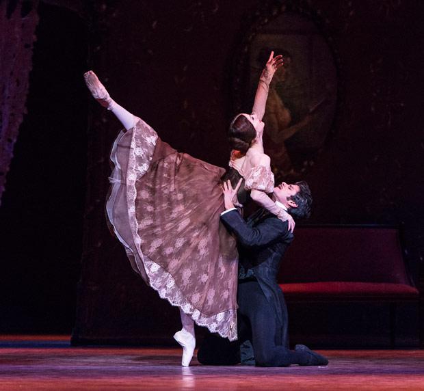 Thiago Soares and Marianela Nunez in Onegin.© Foteini Christofilopoulou, courtesy the Royal Opera House. (Click image for larger version)