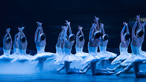 English National Ballet in <I>Swan Lake</I>.<br />© Foteini Christofilopoulou. (Click image for larger version)