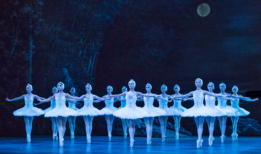 English National Ballet in Swan Lake.© Foteini Christofilopoulou. (Click image for larger version)