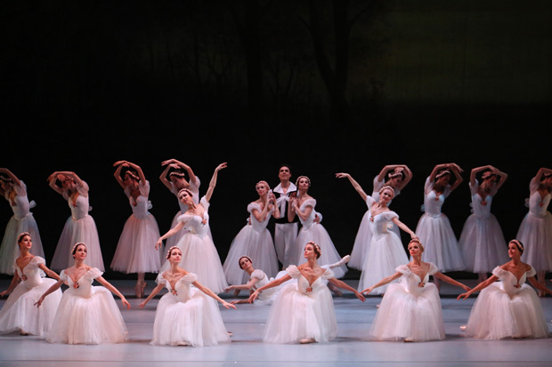 Mariinsky Ballet in Michel Fokine's <I>Chopiniana</I>.<br />© Julieta Cervantes. (Click image for larger version)