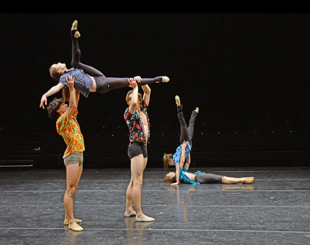 Marcelino Sambe's <I>Dez Days</I> (in front: Anna Rose O'Sullivan, Luca Acri, Matthew Ball; behind Téo Dubreuil, Maria Barroso).<br />© Dave Morgan, courtesy the Royal Opera House. (Click image for larger version)