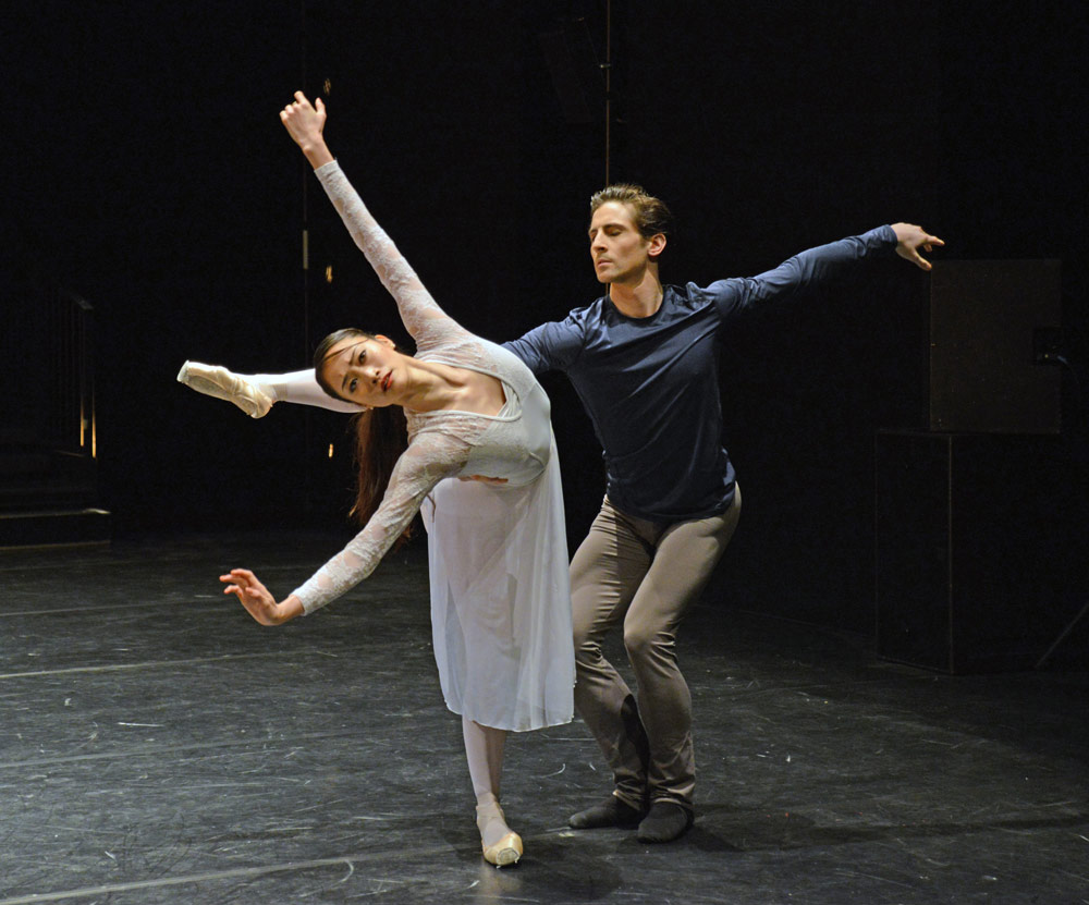 Fumi Kaneko and Tristan Dyer in Valentino Zucchetti's Elégie du souvenir.© Dave Morgan, courtesy the Royal Opera House. (Click image for larger version)