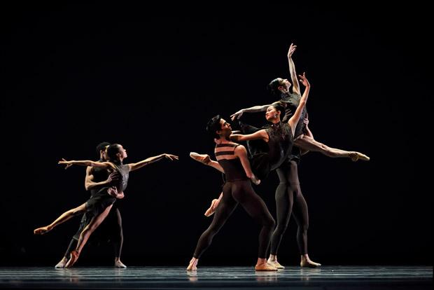 San Francisco Ballet in Thatcher's <I>Manifesto</I>.<br />© Erik Tomasson. (Click image for larger version)