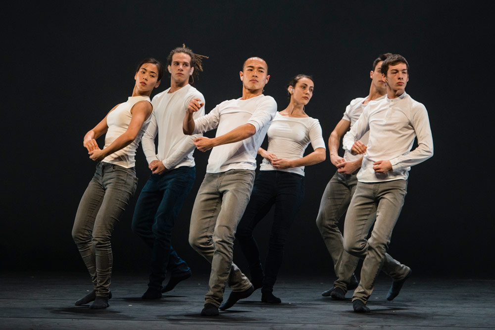 Hofesh Shechter Company in Shechter's the barbarians in love.© Foteini Christofilopoulou. (Click image for larger version)