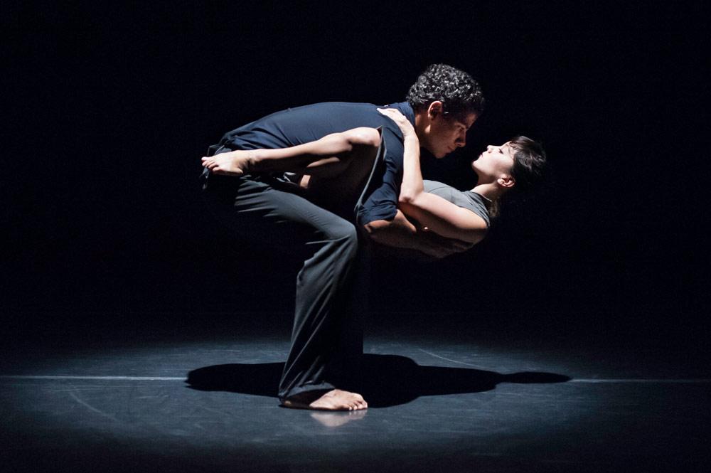 ODC/Dance's Natasha Adorlee and Joseph Hernandez in <I>Drop Down</I>.<br />© Keira Heu-Jwyn Chang. (Click image for larger version)