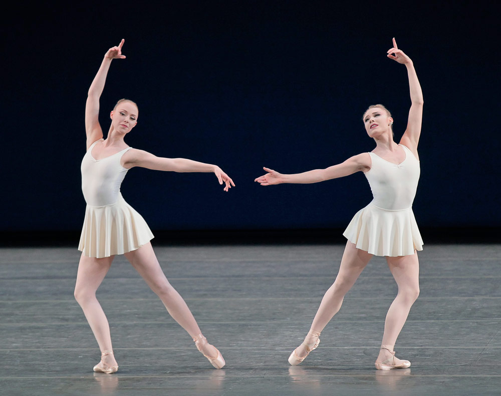 Teresa Reichlen and Sara Mearns in Concerto Barocco.© Paul Kolnik. (Click image for larger version)