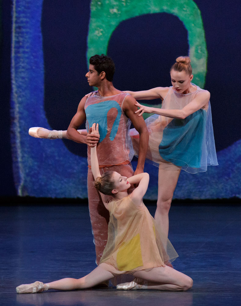Amar Ramasar, Sterling Hyltin and Sara Mearns in Alexei Ratmansky's <I>Pictures at an Exhibition</I>.<br />© Paul Kolnik. (Click image for larger version)