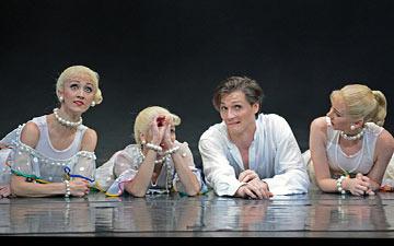 Jaimie Bond and Elisha Willis with Maureya Libowitz, Angela Paul and Laura Purkiss in Carmina burana.© Dave Morgan. (Click image for larger version)