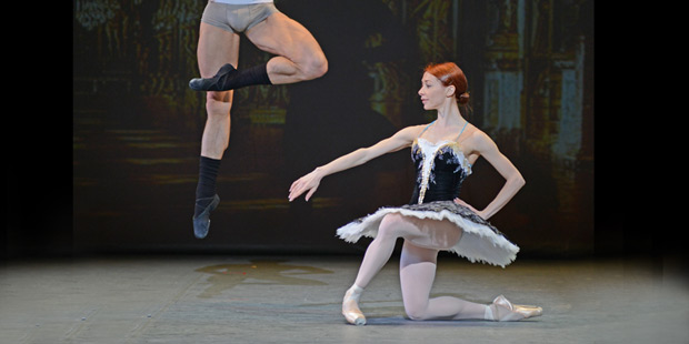 Iana Salenko and Marian Walter rehearsing <I>Grand Pas Classique</I>.<br />© Dave Morgan. (Click image for larger and full version)