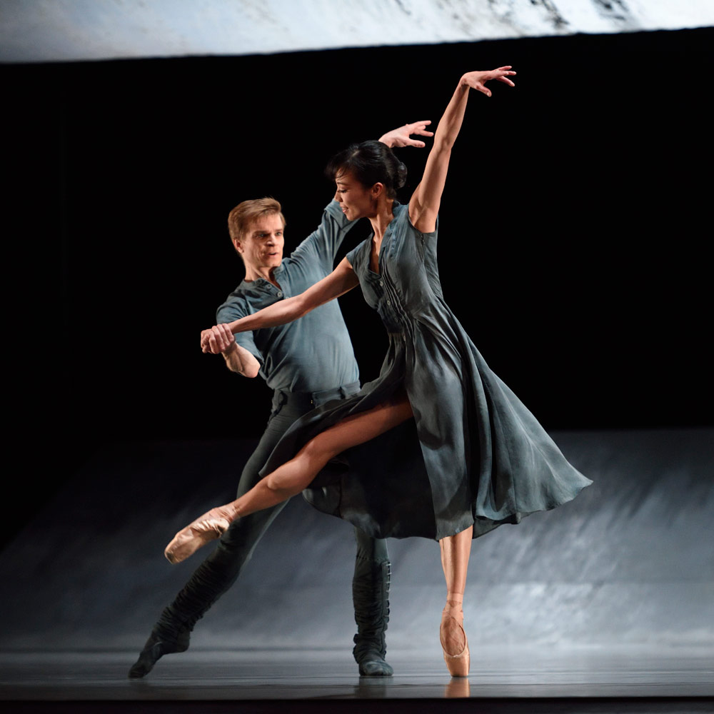 Frances Chung and Gennadi Nedvigin in Scarlett's <I>Hummingbird</I>.<br />© Erik Tomasson. (Click image for larger version)