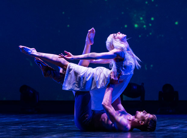 Preston Swovelin and Adrienne Canterna in <I>Romeo and Juliet</I>.<br />© Foteini Christofilopoulou. (Click image for larger version)