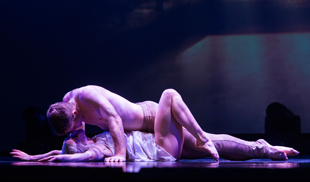 Preston Swovelin and Adrienne Canterna in Romeo and Juliet.© Foteini Christofilopoulou. (Click image for larger version)