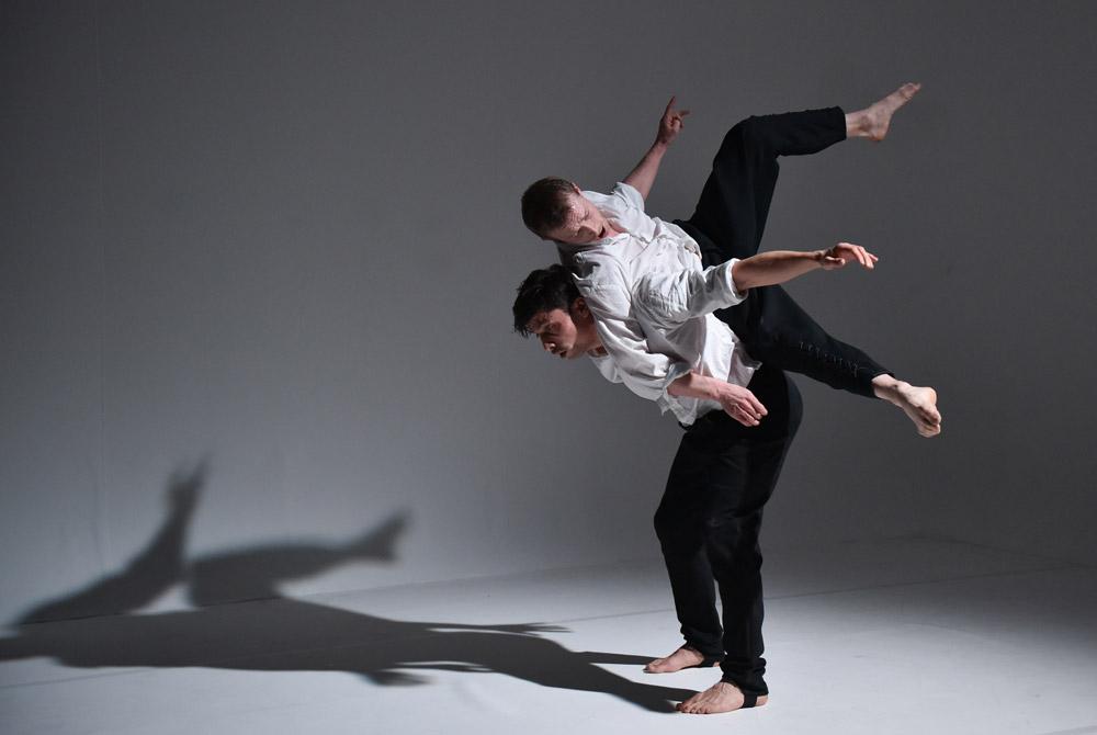 Kirill Burlov and Rob McNeill in Burlov's <I>Absinthe</I>.<br />© Hugo Glendinning. (Click image for larger version)
