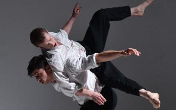 Kirill Burlov and Rob McNeill in Burlov's Absinthe.© Hugo Glendinning. (Click image for larger version)