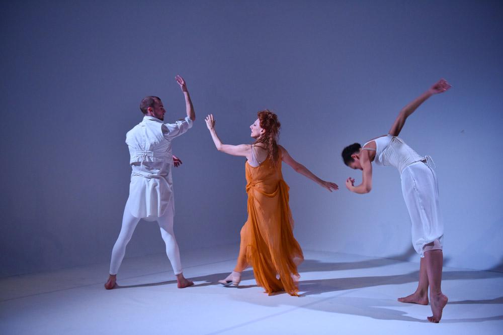 David Ledger, Naomi Sorkin and Cree Barnett Williams in Hubert Essakow's <I>Adieu</I>.<br />© Hugo Glendinning. (Click image for larger version)