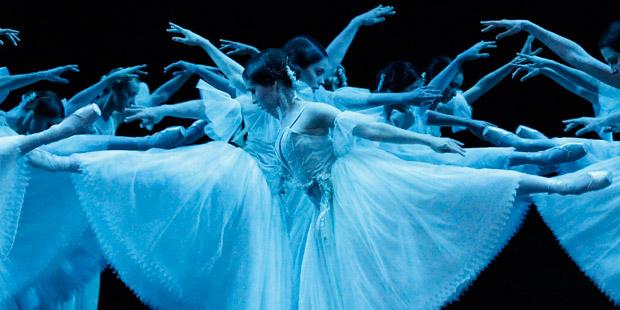 Australian Ballet in <I>Giselle</I>.<br />© Jeff Busby. (Click image for larger version)