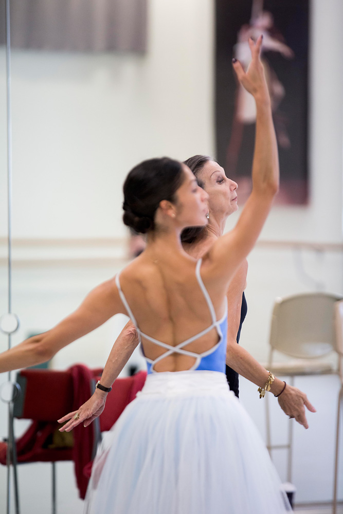 Maina Gielgud rehearsing Robyn Hendricks in the role of Myrtha in Giselle.© Lynette Wills. (Click image for larger version)