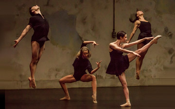 Sydney Dance Company in Rafael Bonachela's Frame of Mind.© Peter Greig. (Click image for larger version)