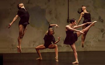 Sydney Dance Company in Rafael Bonachela's Frame of Mind.© Peter Greig. (Click image for larger version)